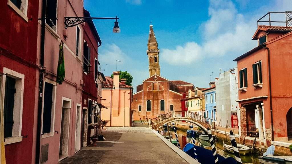 Kiwi The Explorer Burano Case Colorate 21